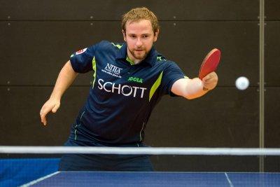 Mark Simpson siegte in Doppel und Einzel, konnte aber die Niederlage nicht abwenden!