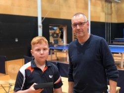 Cheftrainer Ralf Hamrik zeichnete auch Kurt Weber aus!